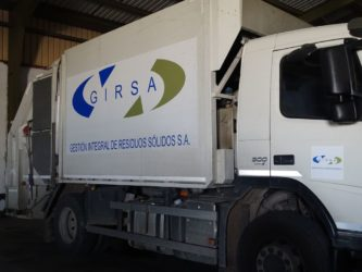 Camión de recogida de residuos sólidos urbanos